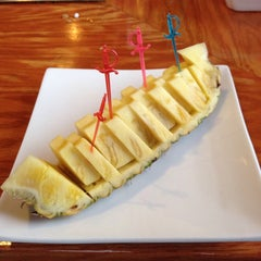 Photo taken at Oyama Japanese Steakhouse by John S. on 5/10/2015