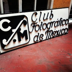 Photo taken at Club Fotográfico de México by Omar David S. on 8/24/2013