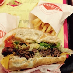 Photo taken at Fatburger by Febby L. on 2/25/2015