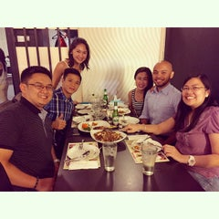 Photo taken at Singapore Food Republic by Jema N. on 5/29/2015