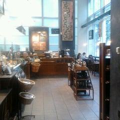 Photo taken at Peet's Coffee & Tea by Raimo Tuisku on 9/21/2012