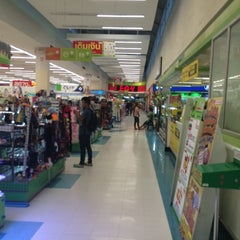 Photo taken at Big C (บิ๊กซี) by Parkers C. on 8/23/2015