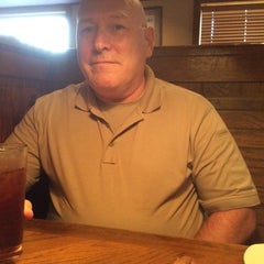 Photo taken at Outback Steakhouse by Joseph T. on 8/4/2014