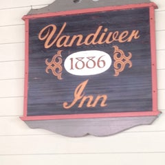 Photo taken at Vandiver Inn by Ed M. on 7/5/2015
