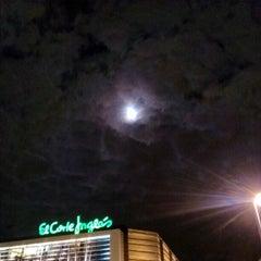 Photo taken at Plaza De La Concordia by Davididis D. on 11/27/2012
