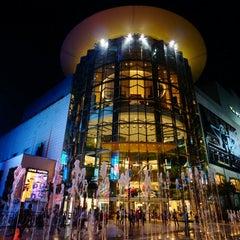 Photo taken at Siam Paragon (สยามพารากอน) by ฮายาชิ r. on 10/24/2013