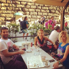 Photo taken at Pitti Gola E Cantina by Şebnem on 8/9/2013