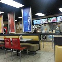 Photo taken at Burger King® by MsShae G. on 8/24/2013