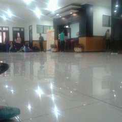 Photo taken at Gedung A FISIP by Alouicius A. on 4/9/2013