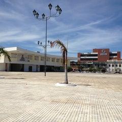 Foto tirada no(a) Praça Augusto Severo / Largo da Ribeira por Thiago M. em 2/7/2013
