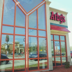 Photo taken at Arby's by Stephen L. on 3/31/2013