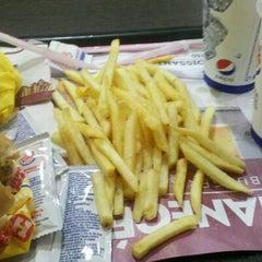 Photo taken at Burger King by Ema B. on 10/13/2012