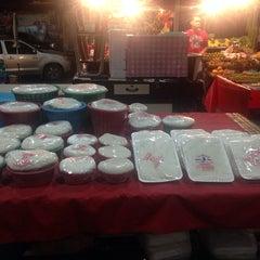 Photo taken at ตลาดใหม่นาเกลือ by max g. on 2/16/2014