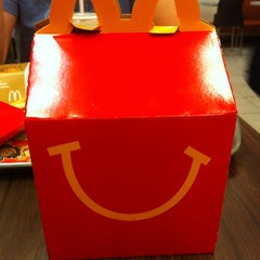 Photo taken at McDonald's by Marilia S. on 1/6/2013
