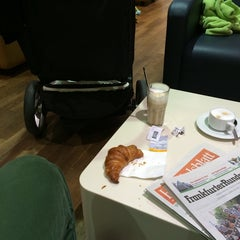 Photo taken at Lufthansa Welcome Lounge (Arrival Lounge) by Tobias N. on 10/20/2014