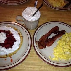 Photo taken at Joe Brown's Cafe by Nina🐸 on 9/29/2013