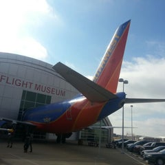 Photo taken at Frontiers of Flight Museum by Oscar P. on 1/5/2013