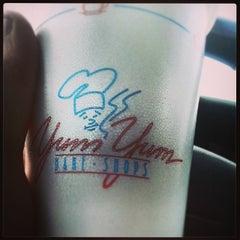 Photo taken at Yum Yum Bake Shops by Benaiah M. on 3/17/2014