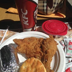 Photo taken at KFC by Arcelyn B. on 4/15/2013