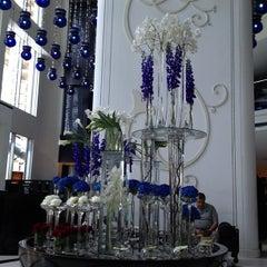Photo taken at W Doha Hotel & Residences by O-sein on 6/23/2013