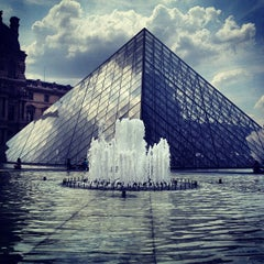 Photo taken at Musée du Louvre by Cristina H. on 7/18/2013