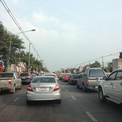 Photo taken at แยกเกษตร-เสนานิคม (Kaset-Sena Nikhom Intersection) by Pitchawoot S. on 2/17/2013