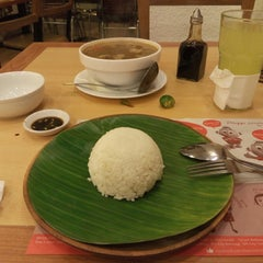 Photo taken at Bacolod Chicken Inasal by Vince G. on 12/13/2014