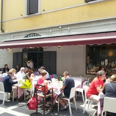 Photo taken at Il Cestino by Pepe on 5/12/2013