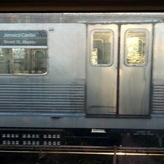 Photo taken at MTA Subway - J Train by Ohh S. on 9/25/2012