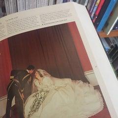 Photo taken at Librería Del Fondo De Cultura Economica by Viridiana M. on 1/10/2016