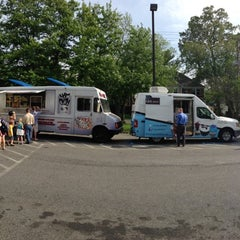 Photo taken at Curley's Q BBQ Food Truck & Catering by Deborah L. on 5/16/2013