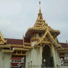 Photo taken at วัดเทพศิรินทราวาส ราชวรวิหาร (Wat Debsirin) by น้าแป๊ะ ส. on 6/15/2013