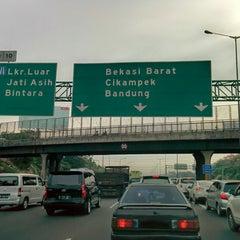 Photo taken at Jalan Tol Jakarta - Cikampek by Faizal F. on 12/1/2014