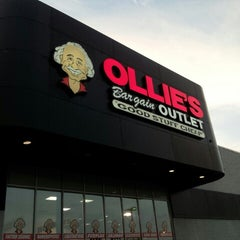 Photo taken at Ollie's Bargain Outlet by Stephen C. on 6/20/2013