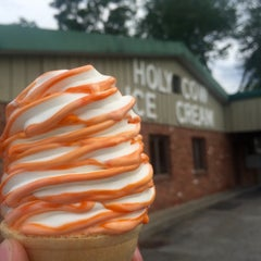 Photo taken at Holy Cow Ice Cream by PJ D. on 8/6/2015