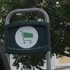 Photo taken at Publix by Ian T. on 6/12/2014