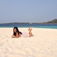 Photo taken at Pulau Lihaga (Lihaga Island) by Coryn N. on 10/5/2014