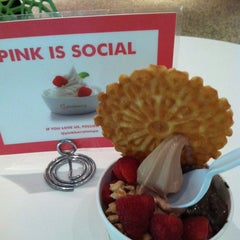 Photo taken at Pinkberry by Laurie K. on 11/3/2012