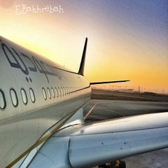 Photo taken at King Abdulaziz International Airport (JED) مطار الملك عبدالعزيز الدولي by Ehab B. on 4/6/2013