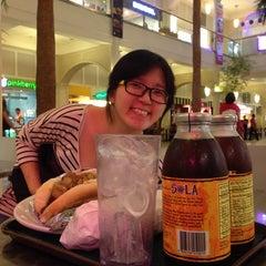 Photo taken at Elbert's Cheesesteak Sandwiches by 8-bit O. on 3/20/2014