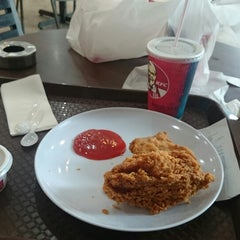 Photo taken at KFC by Moe W. on 5/21/2014