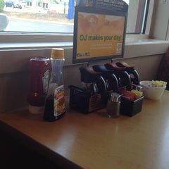 Photo taken at IHOP by Michelle D. on 5/28/2013