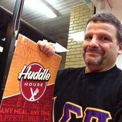 Photo taken at Huddle House by Rich G. on 3/26/2014