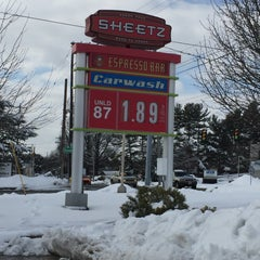 Photo taken at SHEETZ by Todd A. on 2/10/2016