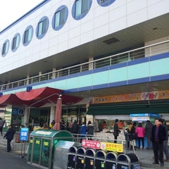 Photo taken at 섬진강휴게소 by Dan on 12/22/2012