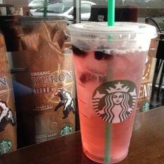 Photo taken at Starbucks by Mindy C. on 10/22/2013