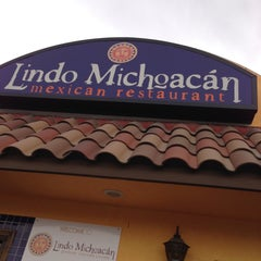Photo taken at The Original Lindo Michoacan by Kevin ⚡. on 5/5/2013