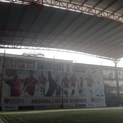 Photo taken at Arsenal Soccer Schools by Kityaporn C. on 10/12/2014