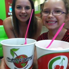 Photo taken at CherryBerry Yogurt Bar by Heather R. on 7/13/2013