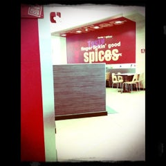 Photo taken at KFC (เคเอฟซี) by Sirisuda S. on 10/5/2012